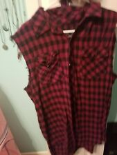 Hot topic vest flannel Xl