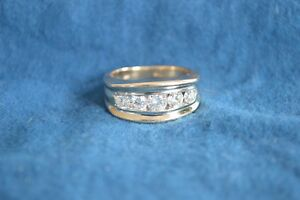 14k Solid Yellow Gold unisex 1.75 ct. diamond ring Channel set 5 stone