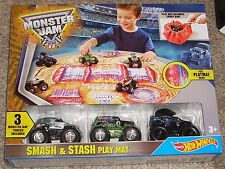 2015 Hot Wheels Monster Jam 3 Pack 1:64 Grave Digger Smash & Stash Play Mat Set