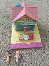 Vintage Polly Pocket Pollyville Beach Cafe By Bluebird 1993 w/Original Figures