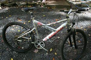 "MONGOOSE A 50 R Mountain Bike Aluminum 26"" Tires FULL SUSPENSION 21 Speed"