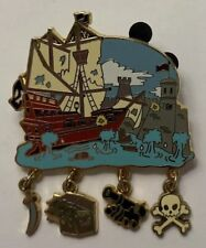 Disney World - Gold Card Attraction Charms - Pirates of the Caribbean Dangle Pin
