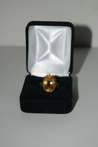 9 Ct Gold Oval Citrine Dress Ring