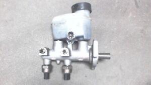 2002 to 2007 Toyota Sequoia Brake Master Cylinder 472010C041 , 2 Sensor Type ,