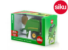 Siku 2465 John Deere 990 Round Baler + Bale - Opning Side Panel & rear door 1:32