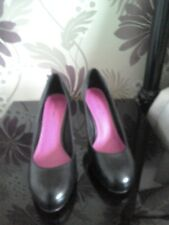 Love Label Black high heel shoes size 5
