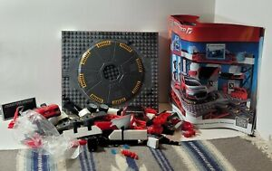 Mega Bloks Need for Speed 95720 Custom Garage w/ Audi open box Y0