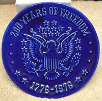 BEAUTIFUL 1776-1976 200 YEARS OF FREEDOM BLUE EMBOSSED BICENTENNIAL PLATE