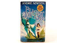 Flight in Yiktor (Moon Singer) by Andre Norton. Paperback