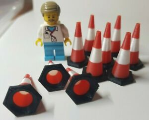 1:32nd scale Traffic Cones (10 pack) Black base with Red/White top. 30mm tall