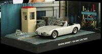 JAMES BOND 007 - TOYOTA 2000GT CAR - YOU ONLY LIVE TWICE -DIARAMA DISPLAY- 1:43