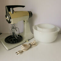 Vtg Sunbeam Deluxe Mixmaster 12 Speed 2 Beaters 2 Bowls (tested) WORKS