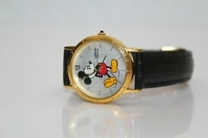 MEN'S DISNEY LORUS QUARTZ MICKEY MOUSE WRIST WATCH GOLD PLATED V811-1400 WORKING