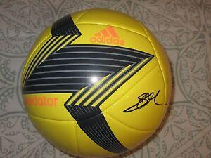 STEVEN GERRARD SIGNED ADIDAS PREDATOR SOCCER BALL DC/COA (PROOF) RARE (FOOTBALL)