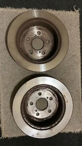 Brake Disc and pads Set (rear)  Break Toyota Prius 2006