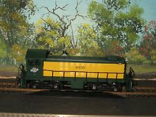 ATLAS HO SCALE #8705 ALCO S-2 CHICAGO & NORTHWESTERN #1035