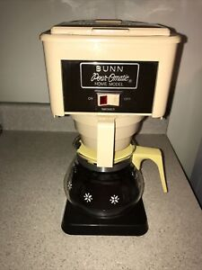 Vintage BUNN Pour-Omatic Home Model Coffee Maker - With Replacement Pot
