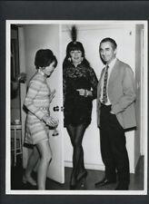 JOAN COLLINS + ROSALIND RUSSELL + MICHELANGELO ANTONIONI CANDID - 1966 VINTAGE