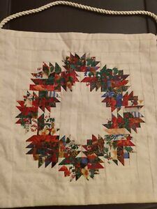 New Handmade Christmas Quilt Wall Hanging Wreath Holly Fabric Material Home