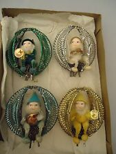 VINTAGE SET OF 4 CHRISTMAS GNOMES ELVES SITTING ON PINECONES PLAYING INSTRUMENTS
