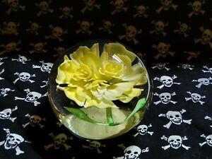 Yellow Flower Pperweight