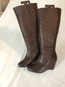 Tom & Eva Women Brown Knee High Leather Boots Size 7/40 (BT96).