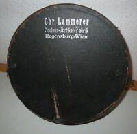 Hutschachtel / Couleur-Artikel-Fabrik Chr. Lammerer Regensburg Wien