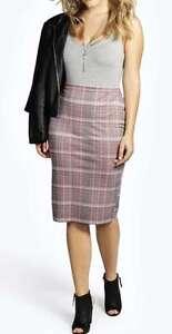 Stunning Plus Size A-Line Ladies Elastic Waist Skirt Size 20 Very Light Weight.