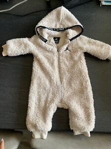 Air Jordan Newborn Infant Fluffy Beige Long Sleeve Hooded Jumper Outfit 6 Months