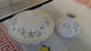 "Wedgwood April Flowers Box  5.5"" plus Bud vase 182371G"