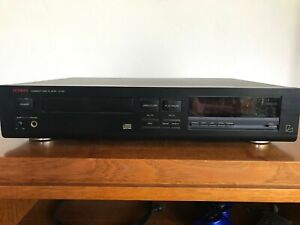 Luxman Compact Disk Player D-321 Black Very Good Condition