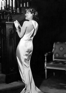 Gloria Swanson UNSIGNED photo - K393 - GORGEOUS!!!!!