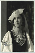 JOSEPHINE HUTCHINSON DECEASED) SIGNED 8X10 JSA AUTHENTICATED COA #P41635
