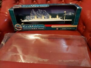 SeaMasters RMS Titanic Battery Powered Cruises on Surface Adjustable Rudder
