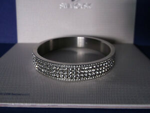 Genuine SWAROVSKI Crystal NEW YORK Bangle Bracelet - M