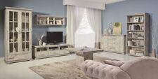 Möbel im Kolonialstil aus MDF/Spanplatten in Holzoptik fürs Wohnzimmer