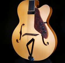 Gretsch G100CE Synchromatic Archtop AC/EL Guitar Hardshell Included