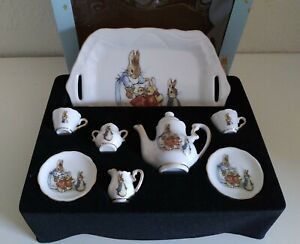 2003 The World of Beatrix Potter Mini Porzellan Doll Tea Set Germany Rabbit Box
