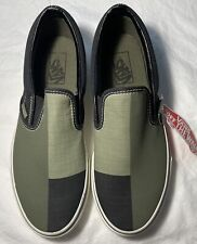 New Women's VANS Slip On Shoes Size 10.5 FREE SHIPPING
