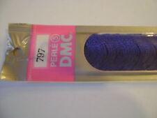 DMC coton perlé N° 5 pour la grosseur et N° 797 pour la couleur, long 20 mètres