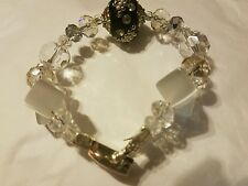 Glass bead bracelet with a magnetic closure