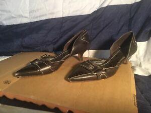 Antonio Melani Heels Size 7 Brown