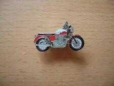 Pin Anstecker Triumph Bonneville T100 T 100 rot weiss Modell 2013 Motorrad 1193