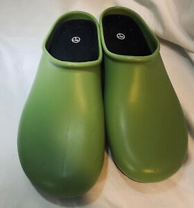 Sloggers Green Rubber Clogs Mules Slip On Shoes Women's Size 9 Made in USA