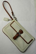 Coach White Leather Wristlet Wallet Smartphone Pocket Hand Bag Clutch Purse