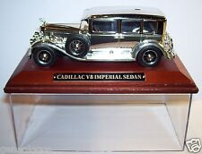 IXO MODEL CHROME DORE ARGENT SOCLE BOIS 1/43 BOX CADILLAC V8 IMPERIAL SEDAN