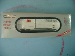 WILLIAMS CLASSIC FREIGHT SERIES O SCALE LEHIGH VALLEY BOX CAR NEW IN BOX