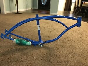 "New 2020 Schwinn Stingray 20"" Blue Frame w/chain"