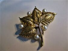 "N Pearls Brooch 2-1/4X2-1/4""� �Jewelry Garage Sale!�Listner Gold-Tone Leaves"