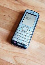 Nokia 6070 in grigio argento
